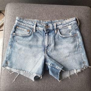 H&M - Distressed Denim Shorts - Size 27 (4)